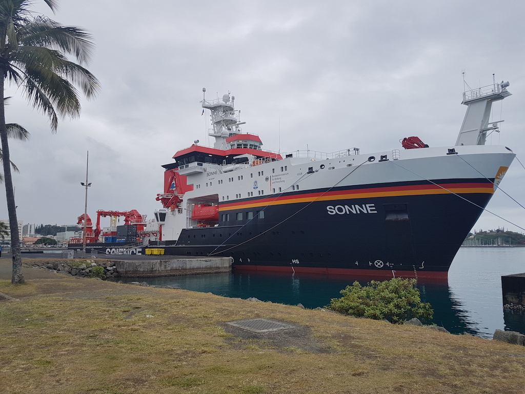 RV Sonne at the port of Noumea (New Caledonia)